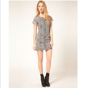 French Connection Leopard Print Gray Mini xs 0